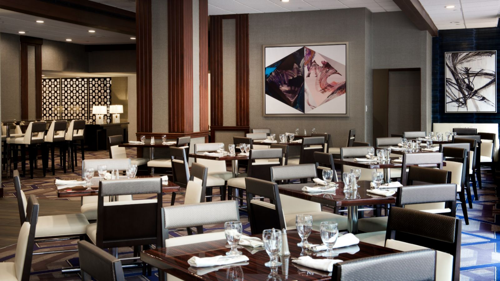 hotel dining - Circle Cafe - Sheraton Indianapolis City Centre
